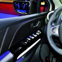 Renault_Clio-Initiale-Paris-Pano-detail