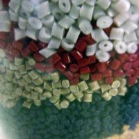 Granulé-plastique-2-870x870